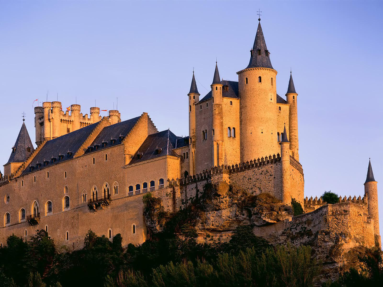 Обои Alcazar Castle, Segovia, Spain 1600x1200
