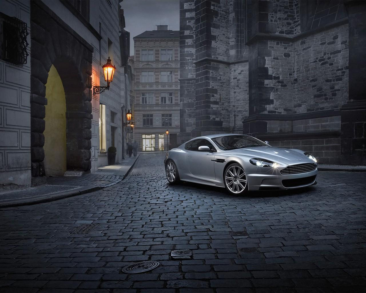Обои Aston Martin Midnight 1280x1024