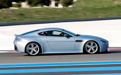 Aston Martin V12 Vantage RS Right / 1280x1024