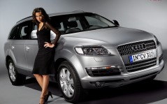 Audi Q7 and Girl / 1280x1024