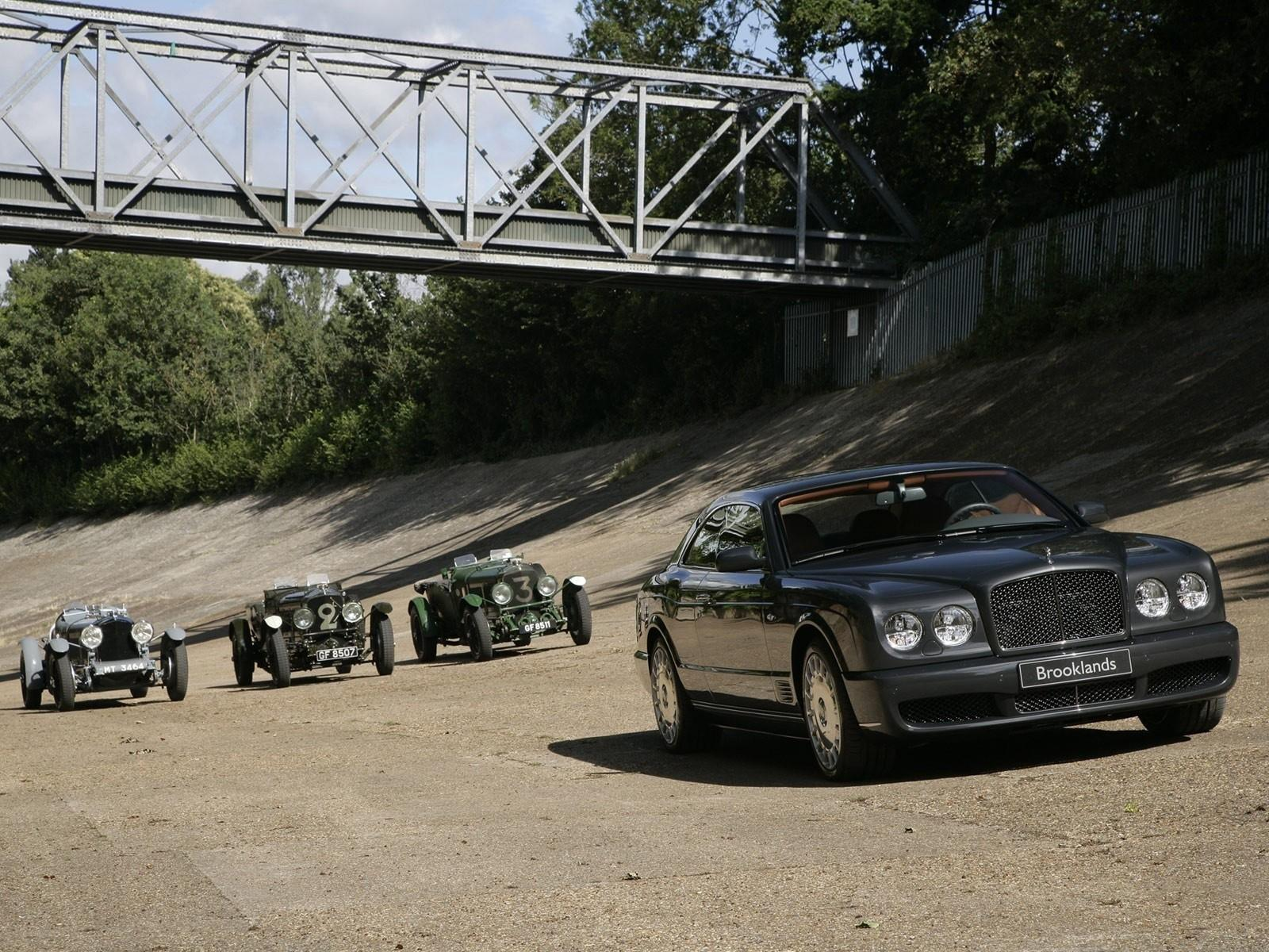 Обои Bentley Brooklands 1600x1200