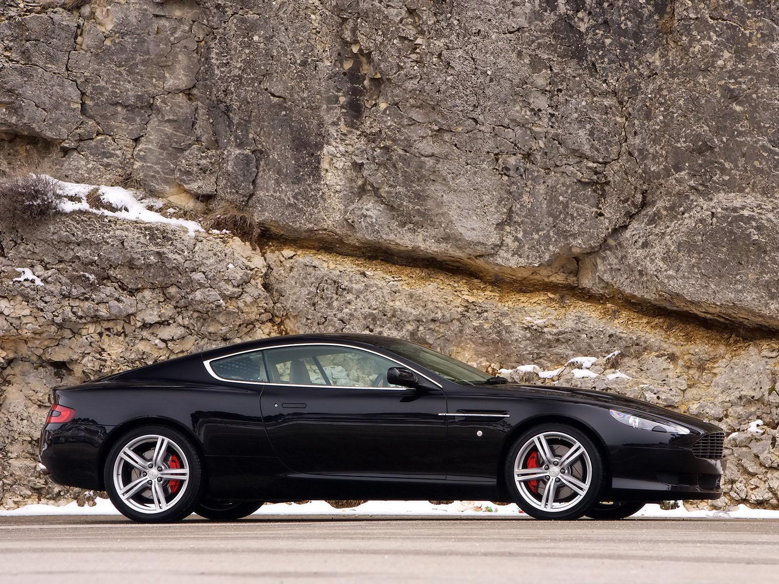 Обои Black Aston Martin DB9 1600x1200