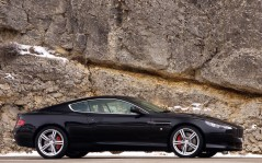 Black Aston Martin DB9 / 1600x1200