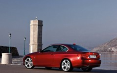 BMW 3 Series Coupe / 1600x1200