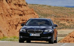 BMW-5-Series Touring / 1600x1200