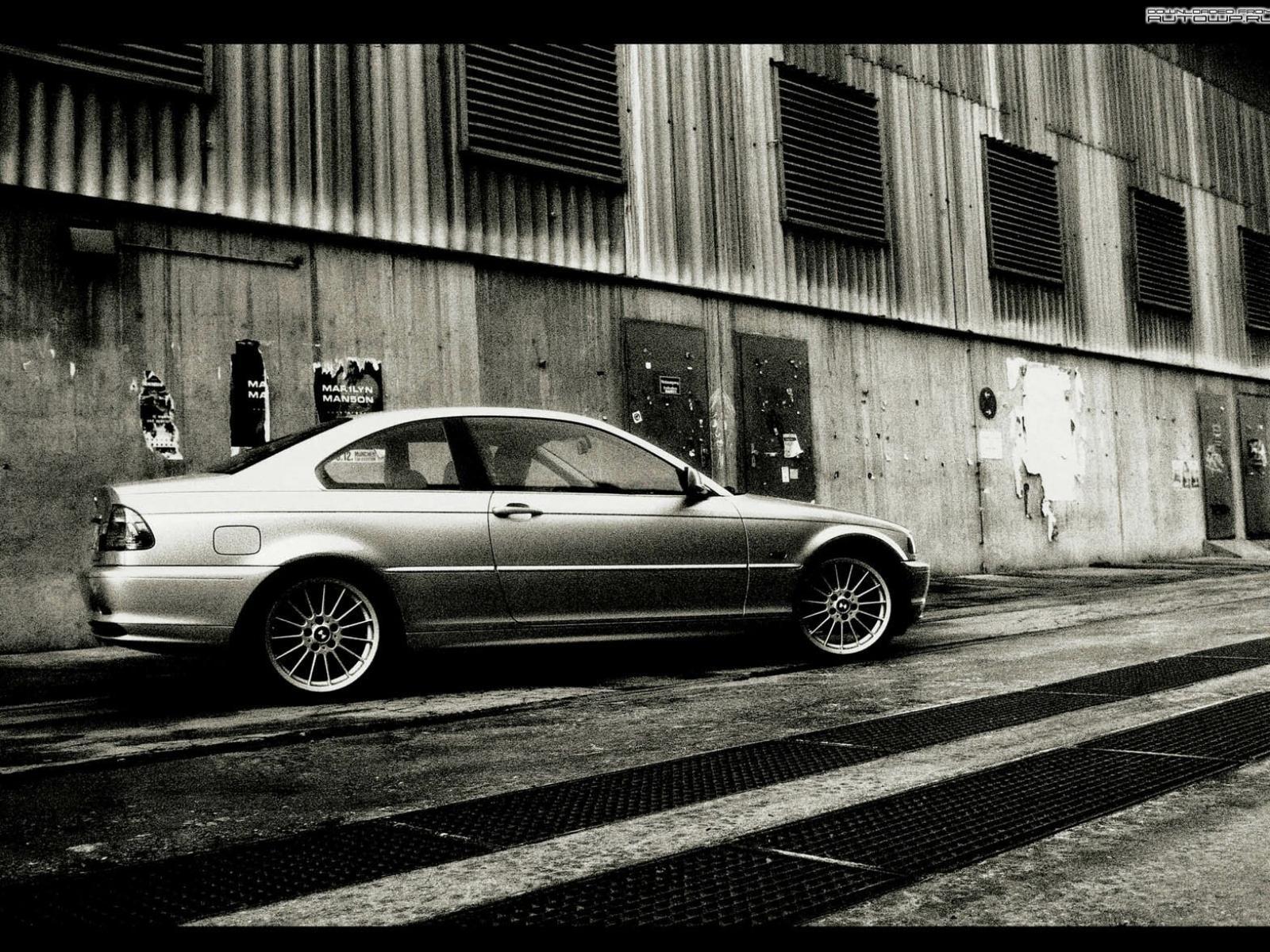 черно белые авто