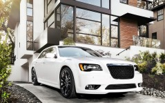 Chrysler-300 SRT8 / 1920x1200