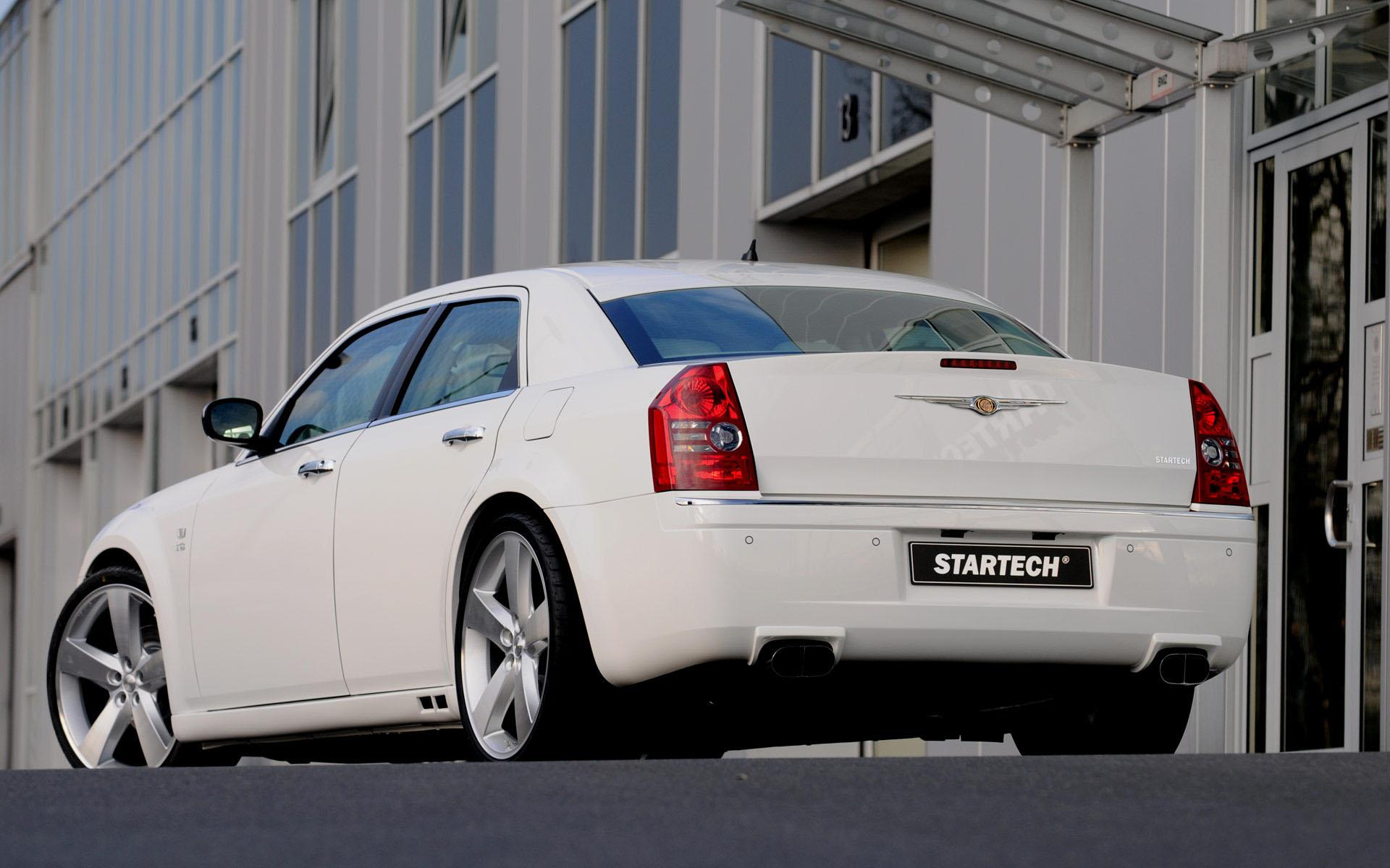 Обои Chrysler 300C blond 1920x1200