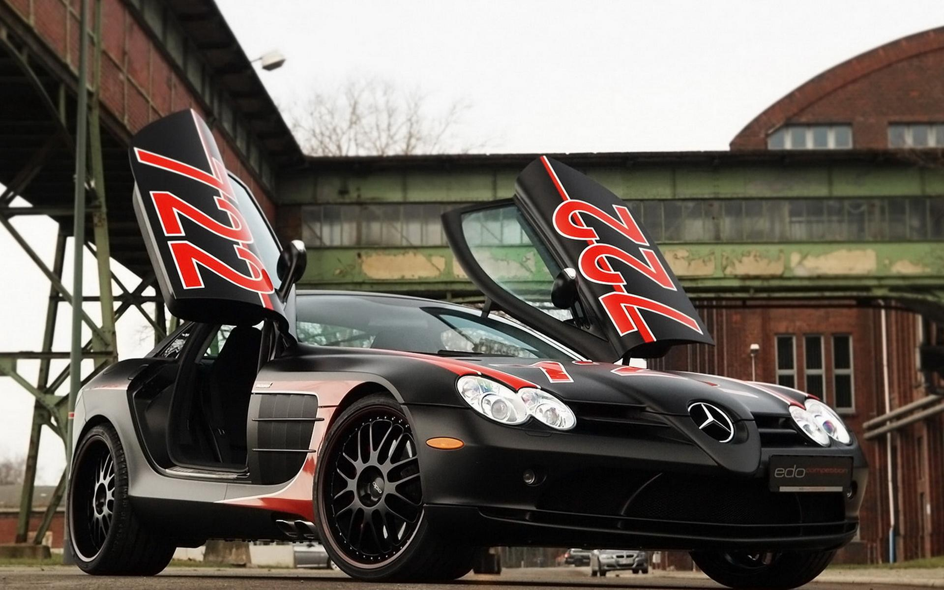 Обои Competition Mercedes-Benz SLR Black 1920x1200