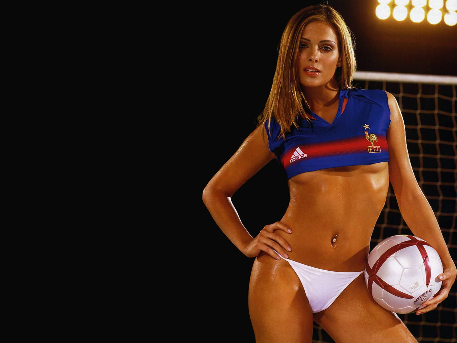 Ролик женской футбольной команды в душе 26 фотография