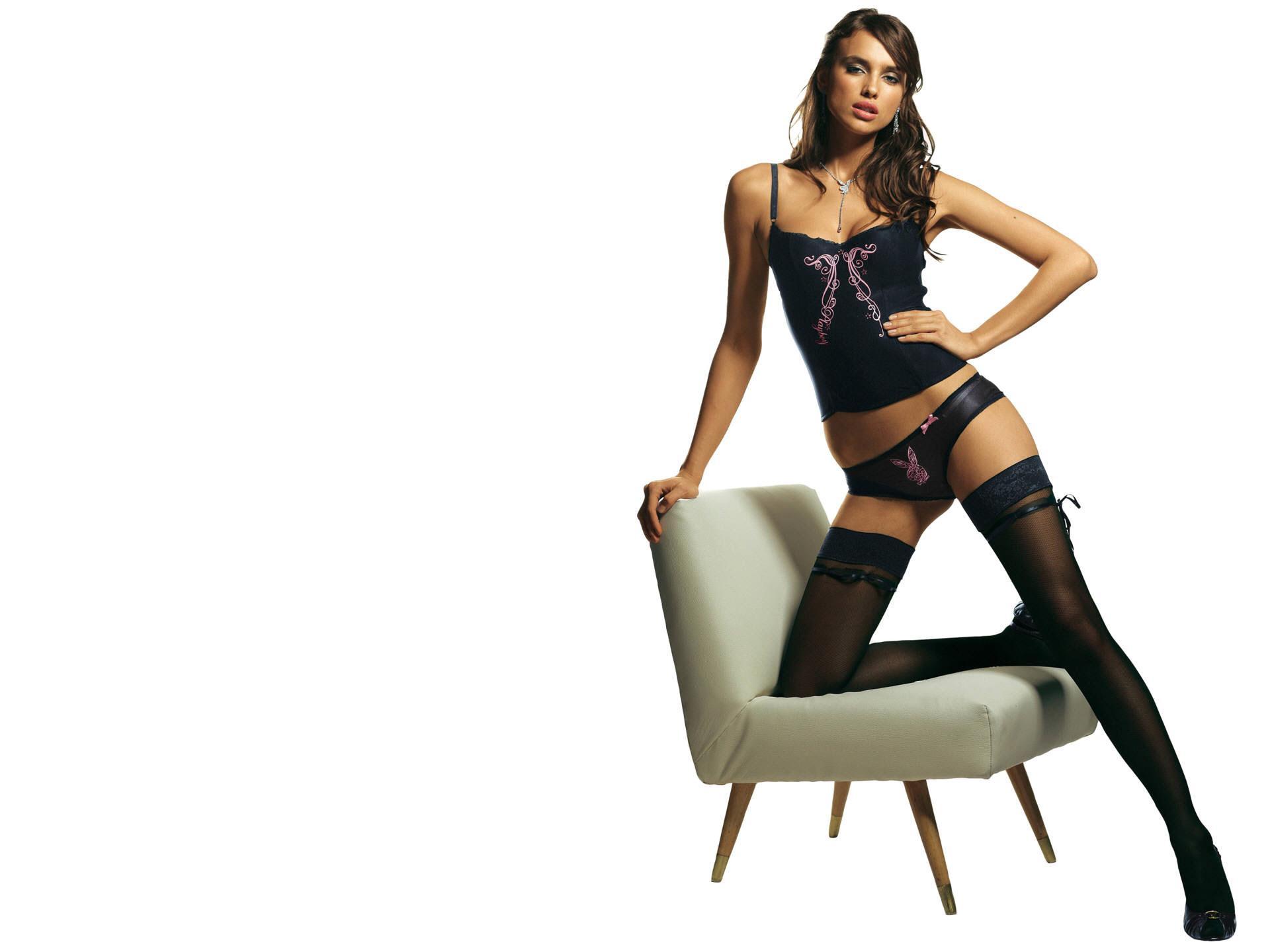 Фото девушки на кресле 7 фотография