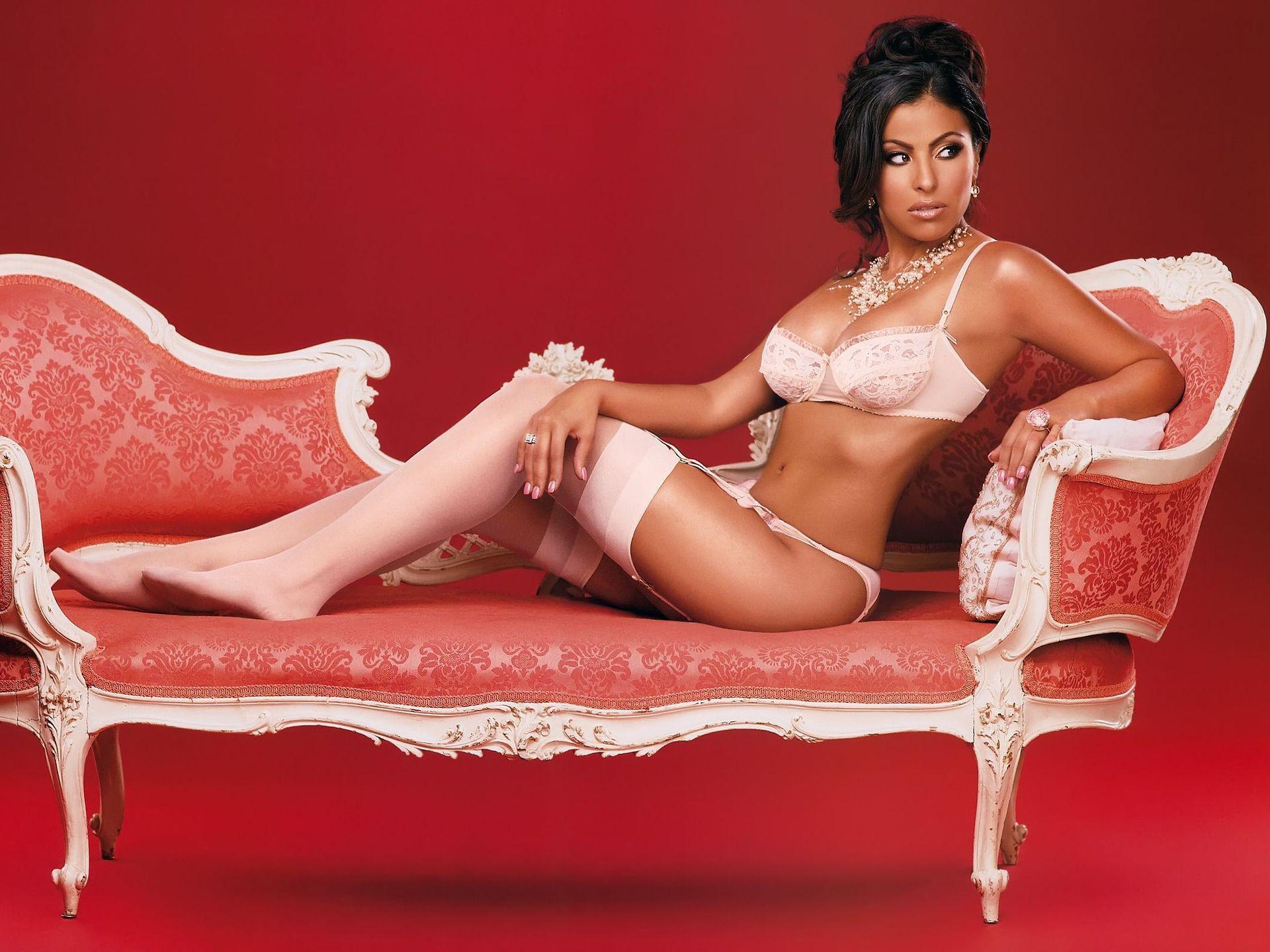 Секс в розовом диване 6 фотография