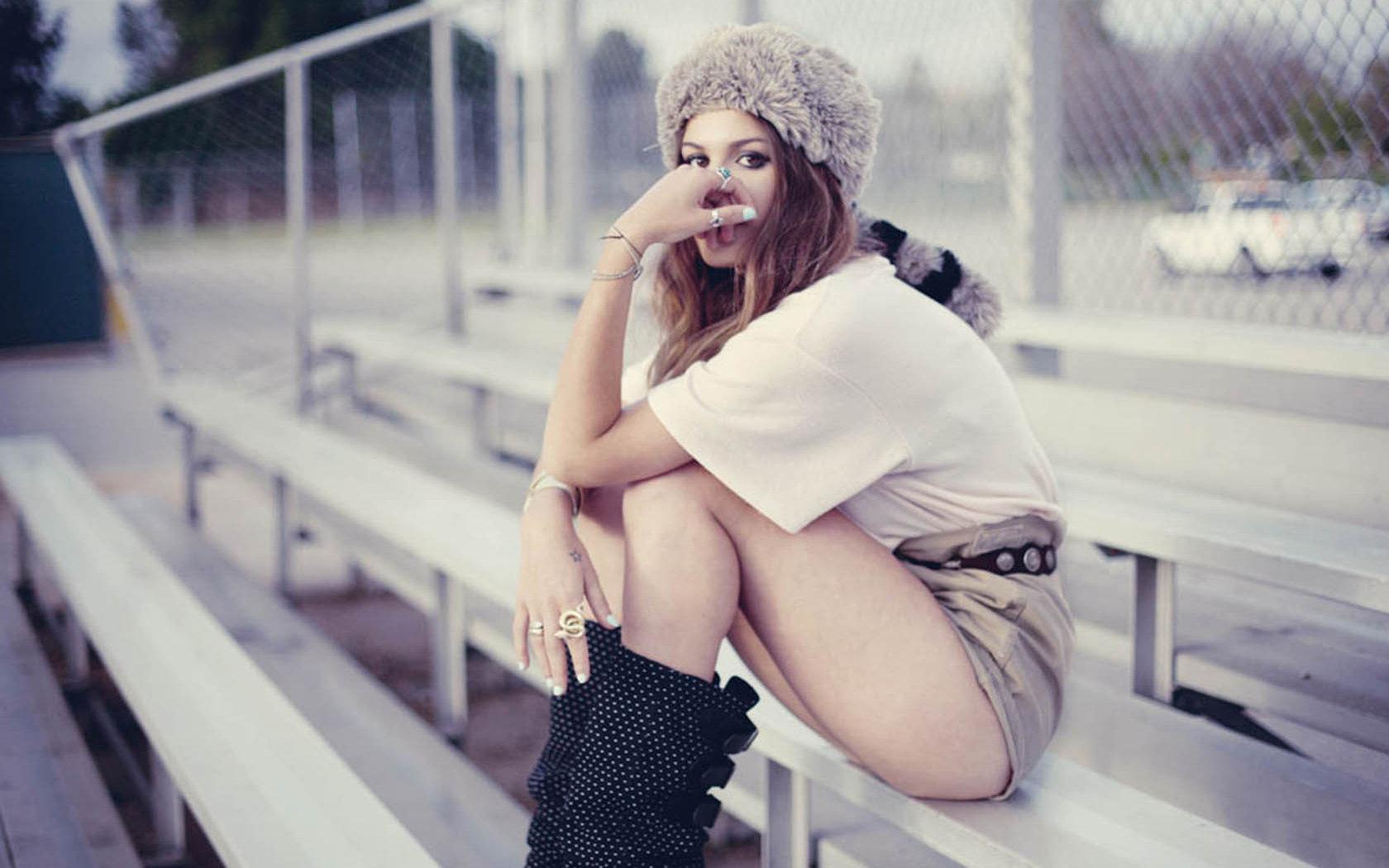 Русские девочки с анльной пробкой соло порно виде 14 фотография
