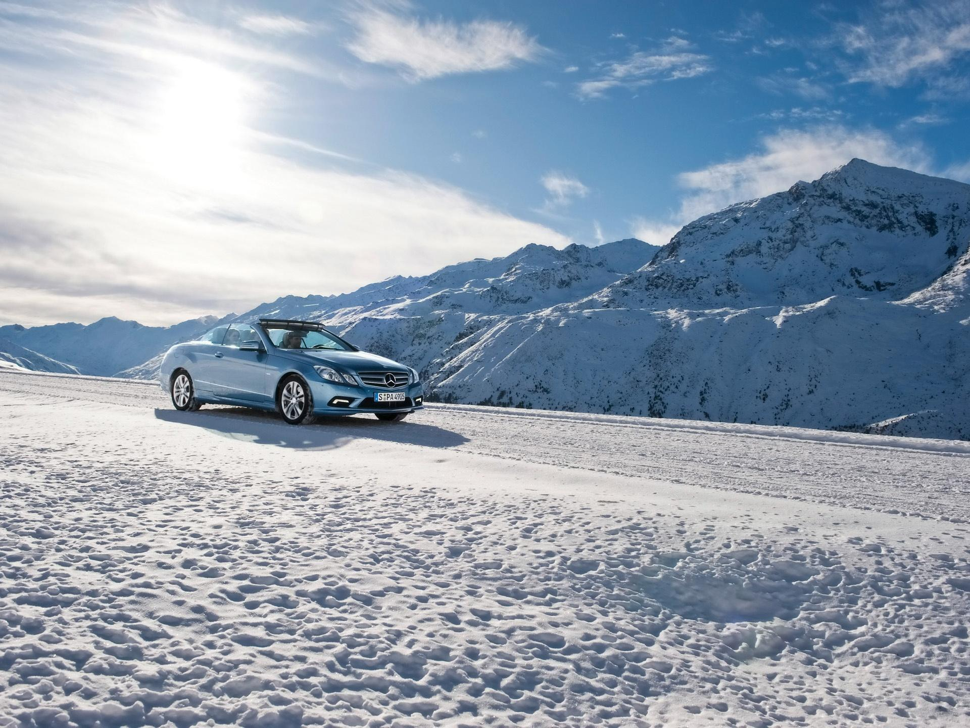 ���� E class cabriolet snow front and side 1920x1440