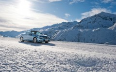 E class cabriolet snow front and side / 1920x1440