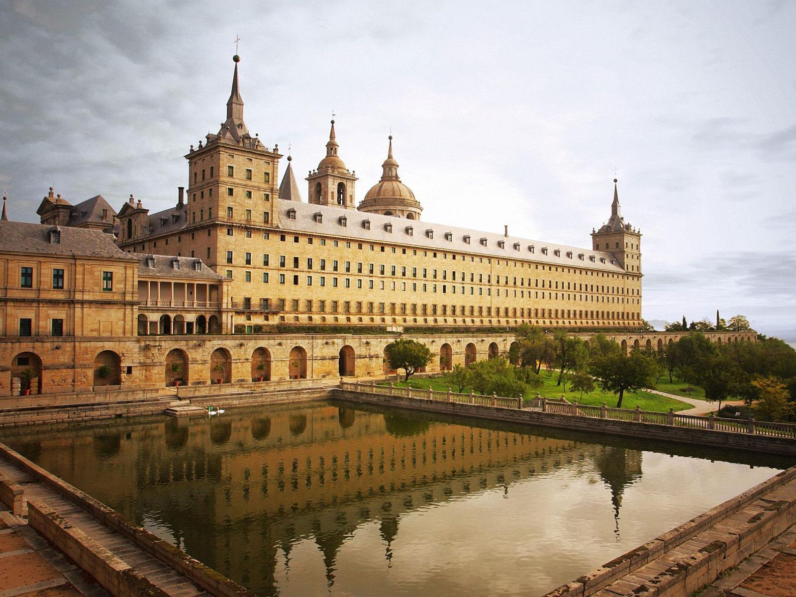 Обои Escorial Monastery Madrid Spain 1600x1200