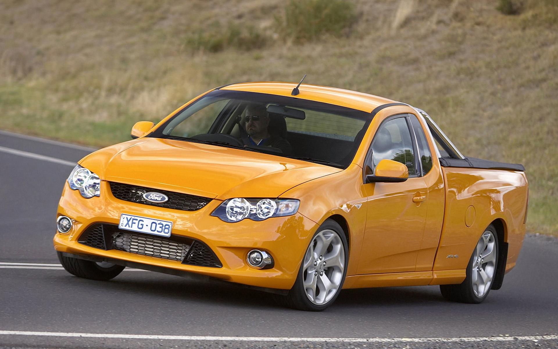 Обои Ford Falcon XR6 Turbo 1920x1200