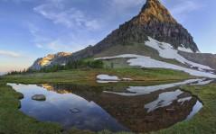 Горы перед восходящим солнцем 1600x1200