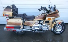 Honda Goldwing GL1200 / 1600x1200