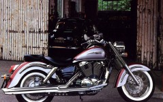 Honda Shadow / 1600x1200