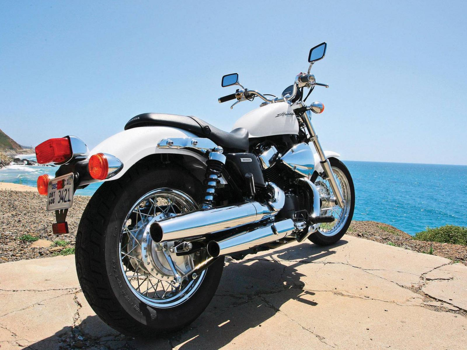 Обои Honda Shadow RS 1600x1200