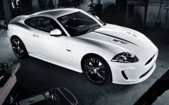 Jaguar XKR 2011 Black Packx / 1600x1200