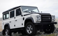 Land Rover Defender Fire and Ice / 1600x1200