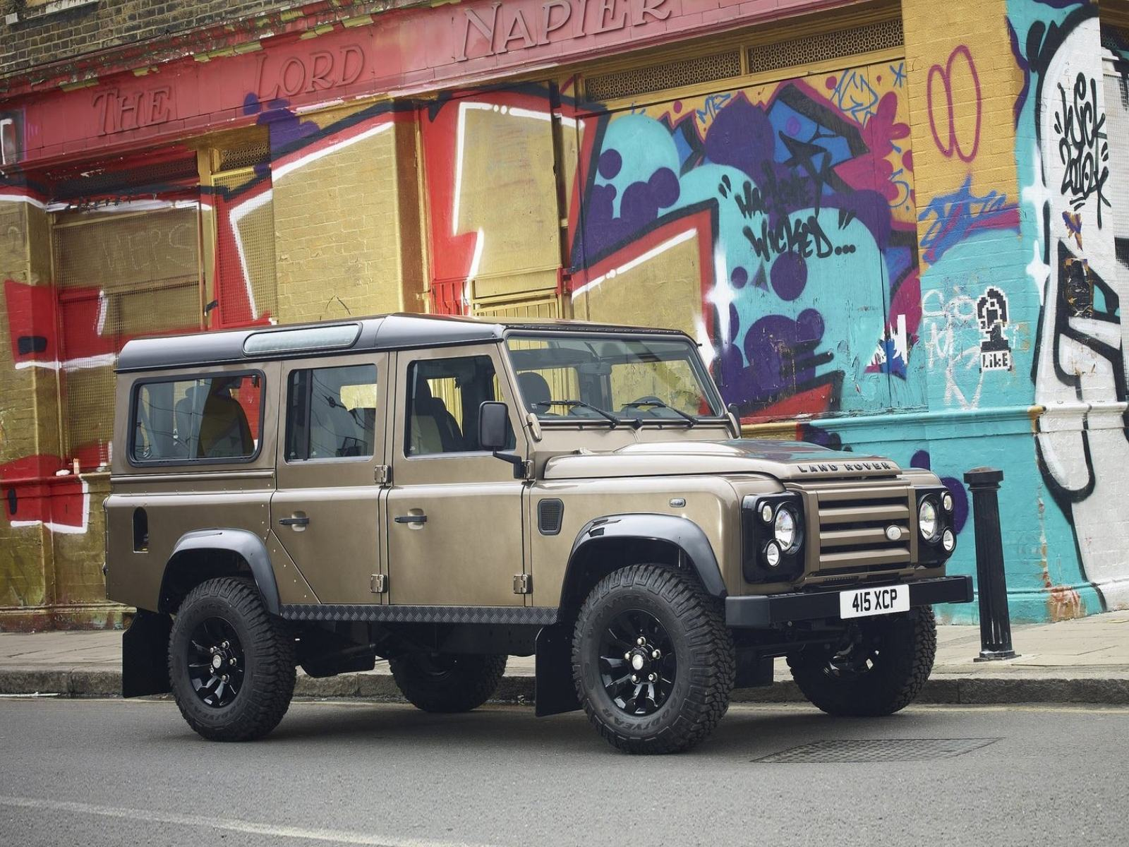 Обои Land-Rover-Defender-X-Tech-2011 1600x1200