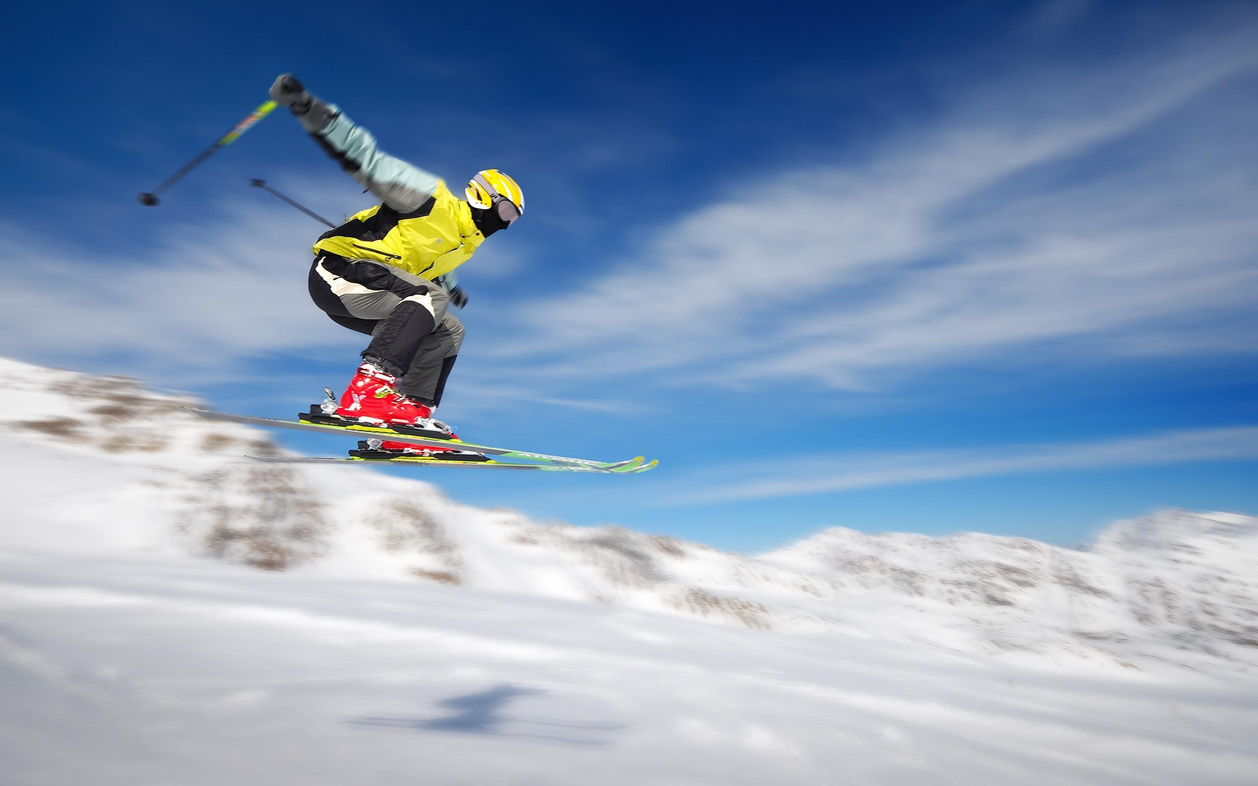Обои лыжник, спуск, склон. Спорт foto 13
