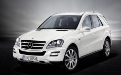 Mercedes Benz M-class 2010 Grand Edition / 1600x1200