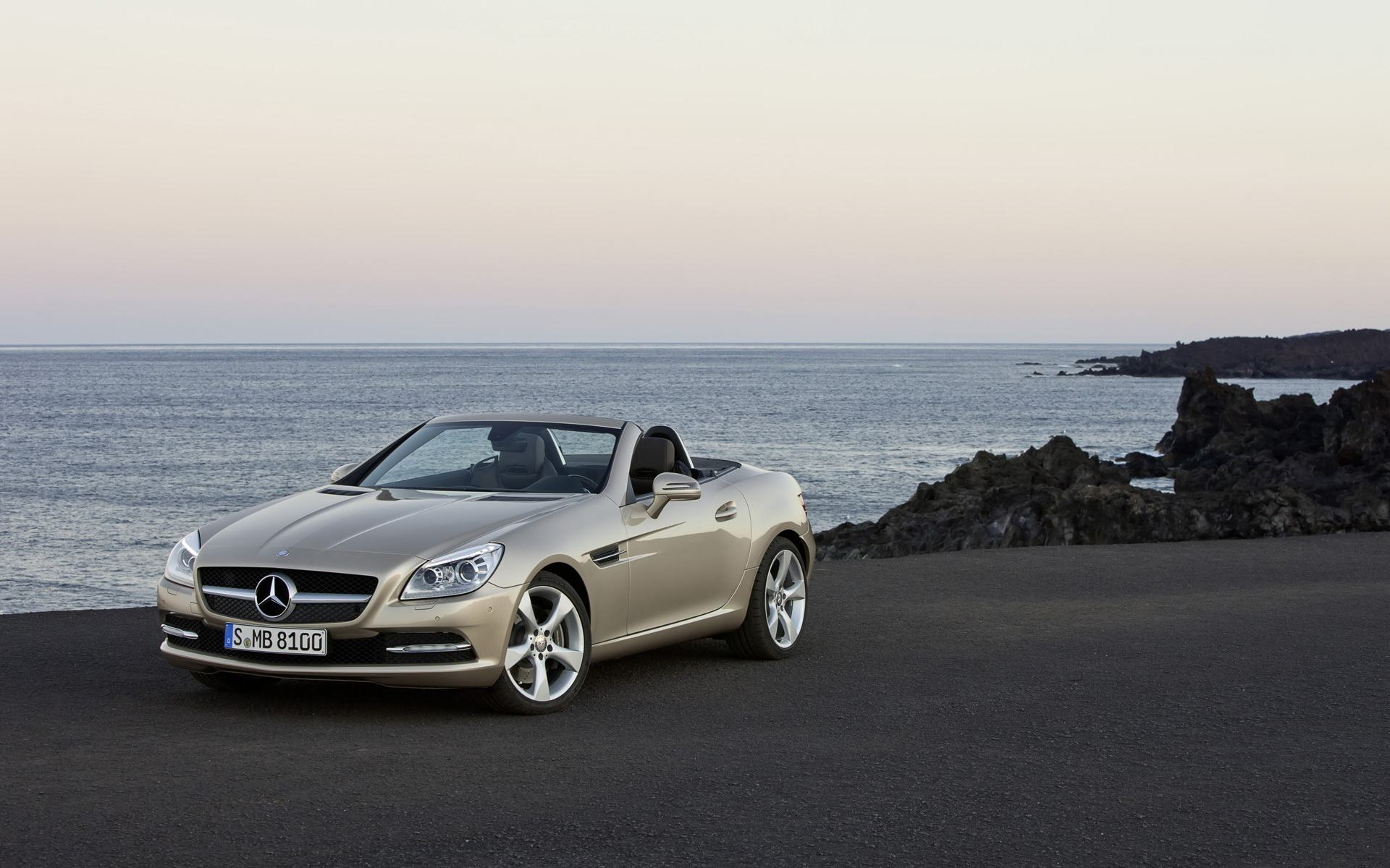 Обои Mercedes-Benz-SLK-Roadster 1920x1200