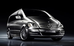 Mercedes-Benz-Viano-2011-Avantgarde-Edition-125 / 1600x1200