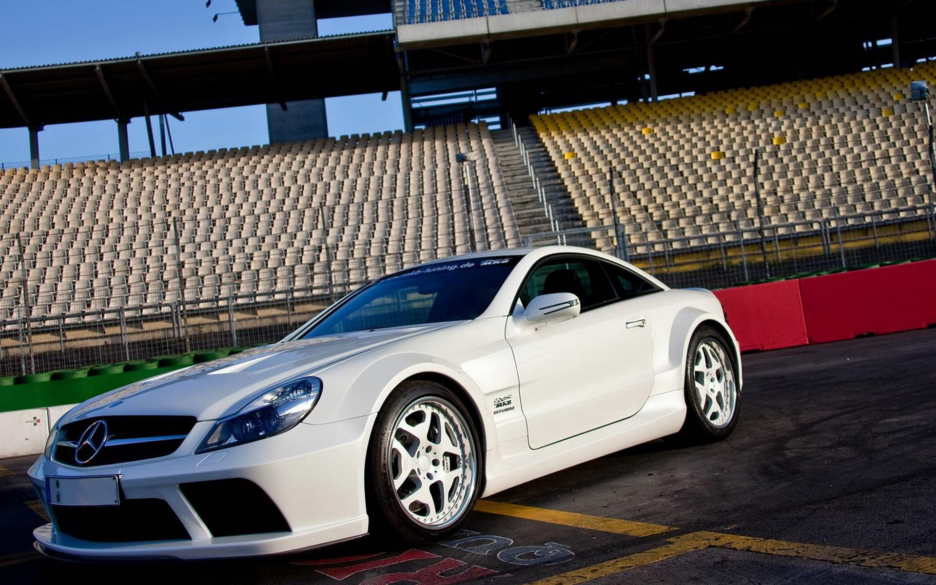 Обои New Mercedes-Benz-SL-65-AMG 1920x1200