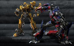 Optimus Prime and Bumblebee / 1920x1200