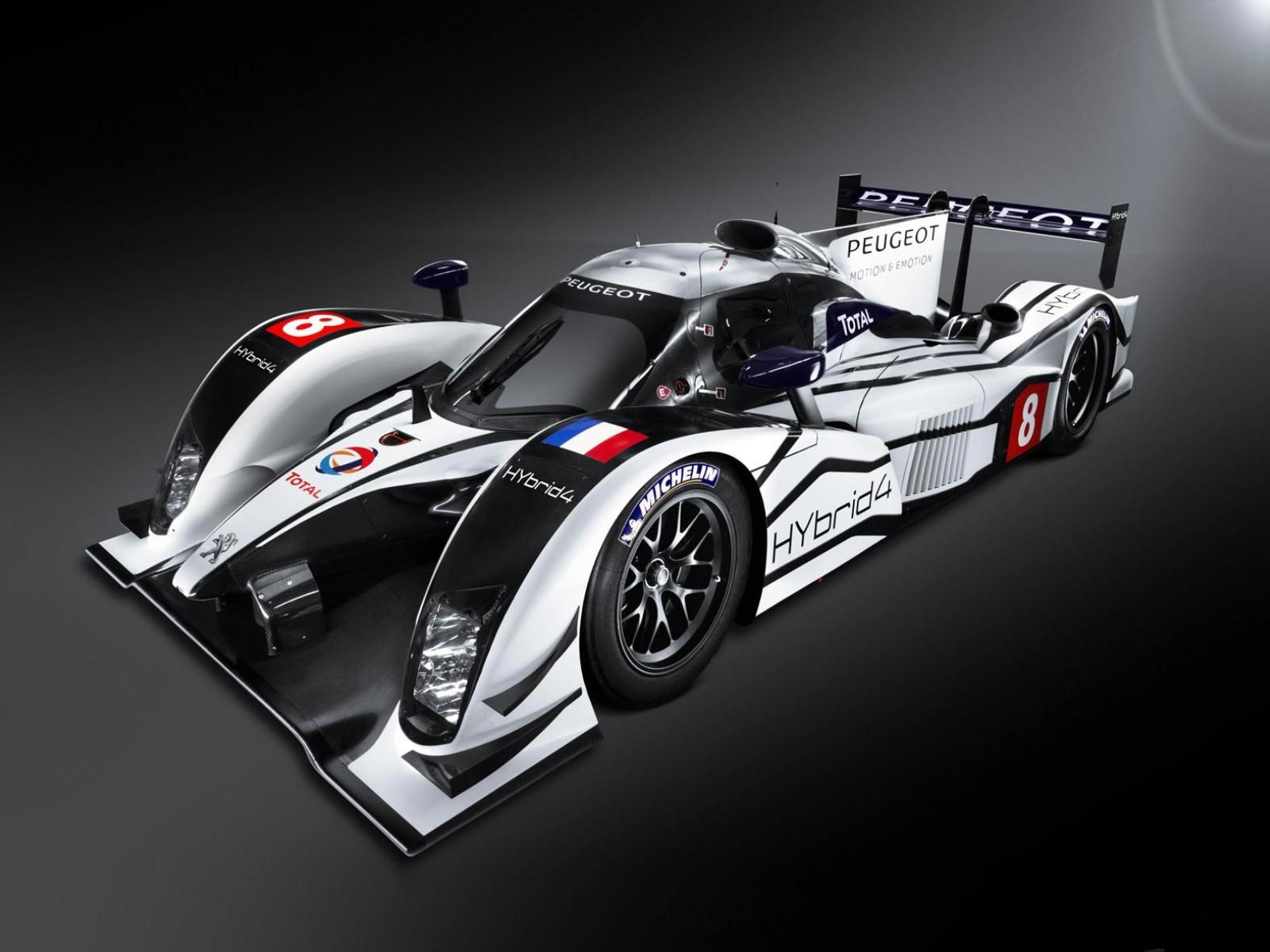Обои Peugeot-908-HYbrid4-Le-Mans-Racer-at-the-2011 1600x1200