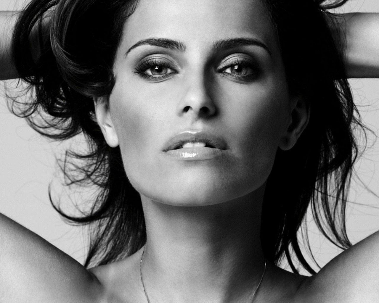 ���� ������ Nelly Furtado 1280x1024