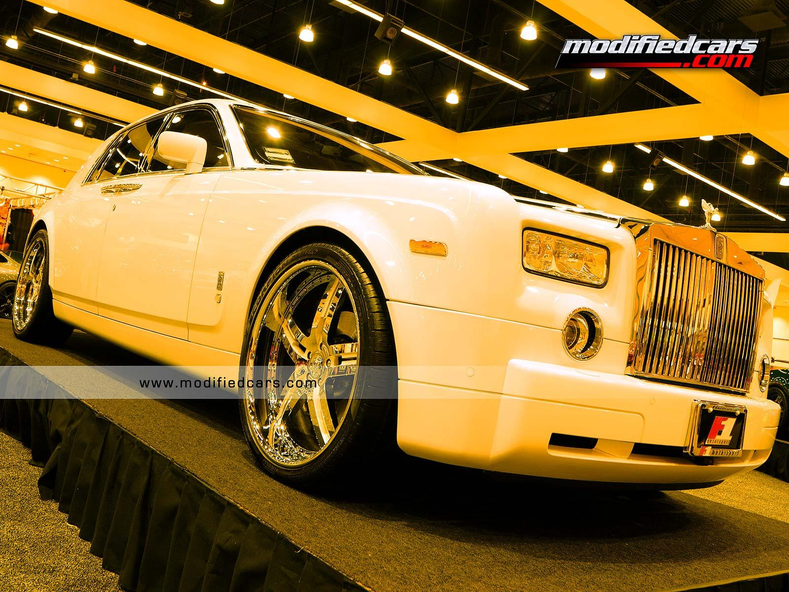 Обои Pimped Rolls Royce Phantom 1600x1200