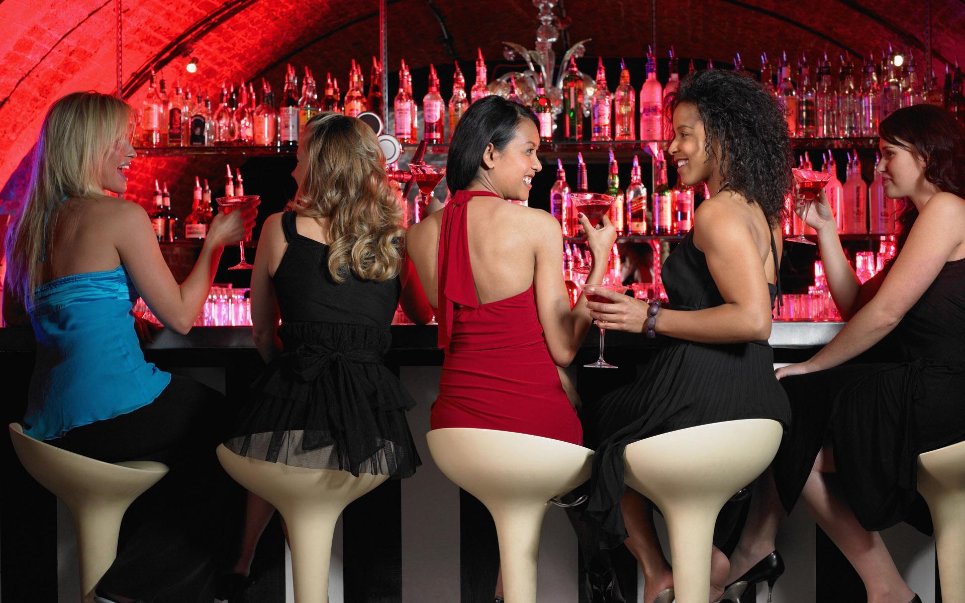 Фото пьяных девчонок в барах 26 фотография