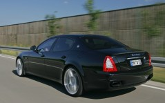 Quattroporte rear on the road / 1600x1200