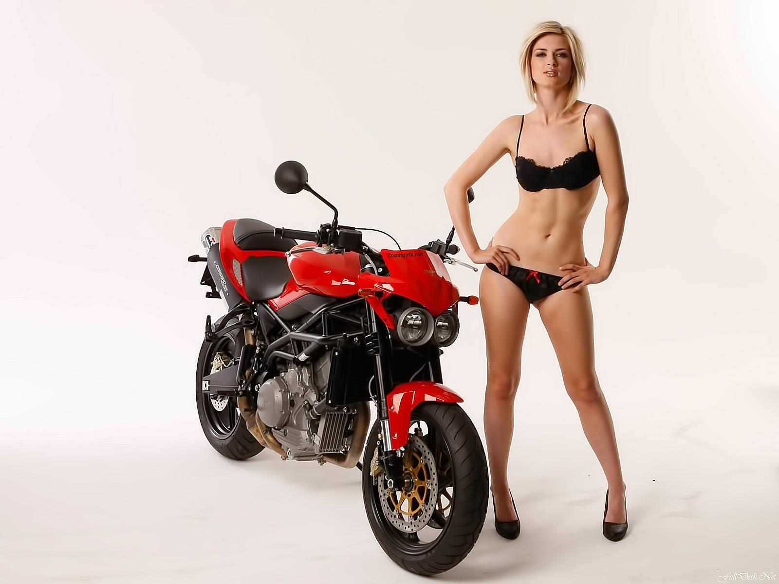 Обои Read bike and girls 1600x1200