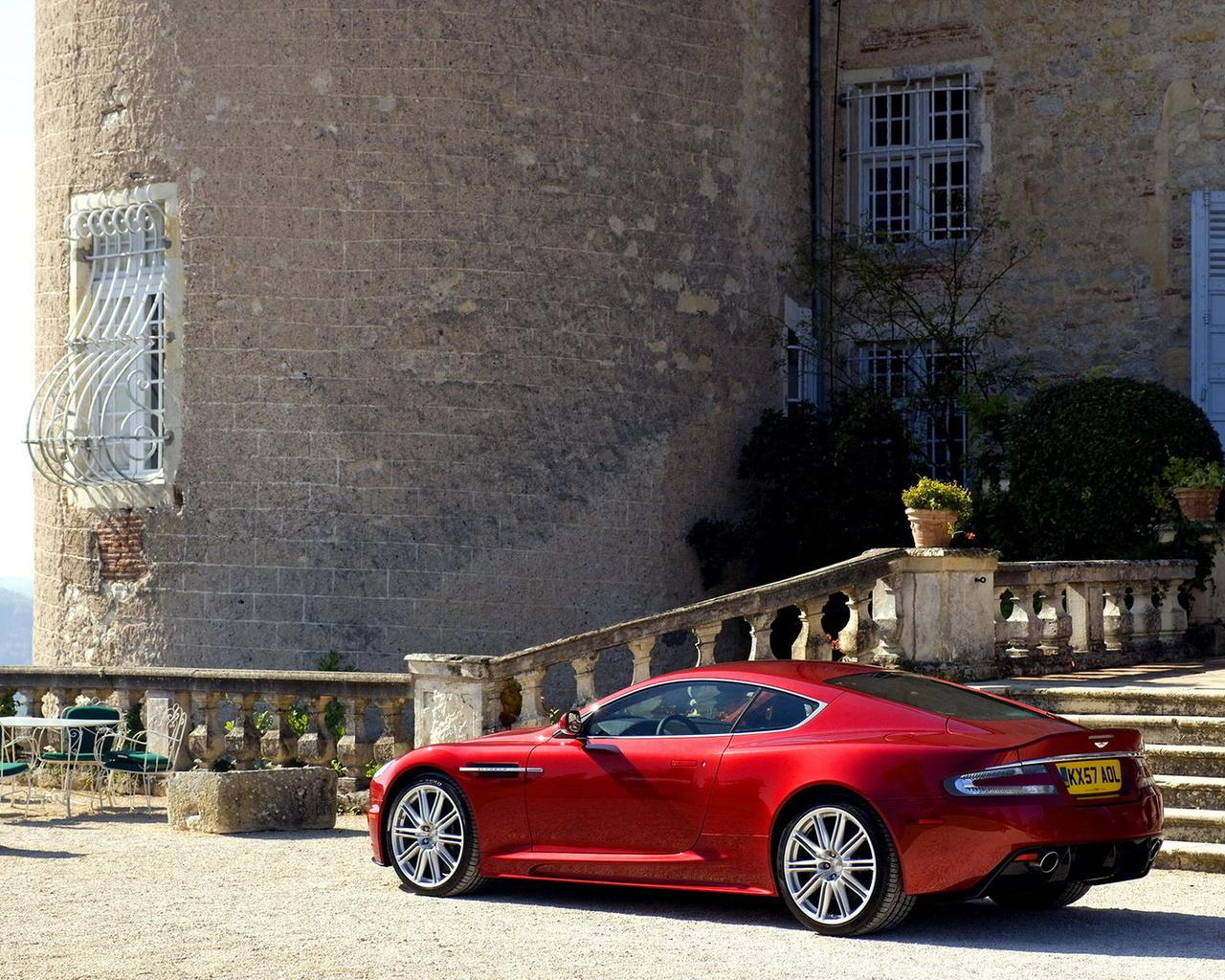 Обои Red Aston Martin DBS 1280x1024