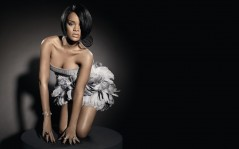 Rihanna in a dress made of feathers - 1680x1050