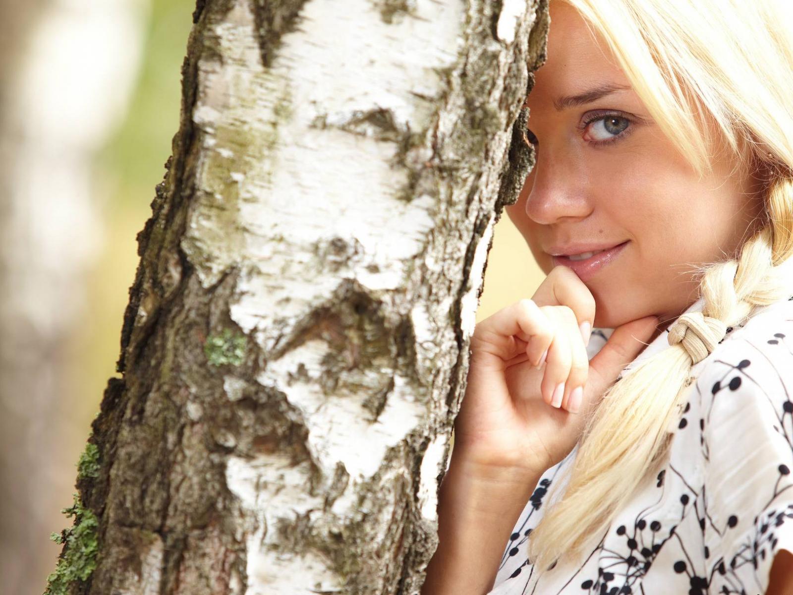 Русские красавицы в поле 15 фотография
