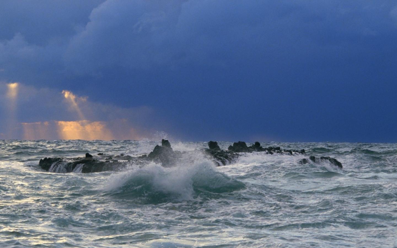 Шторм на море красивые штормовые на