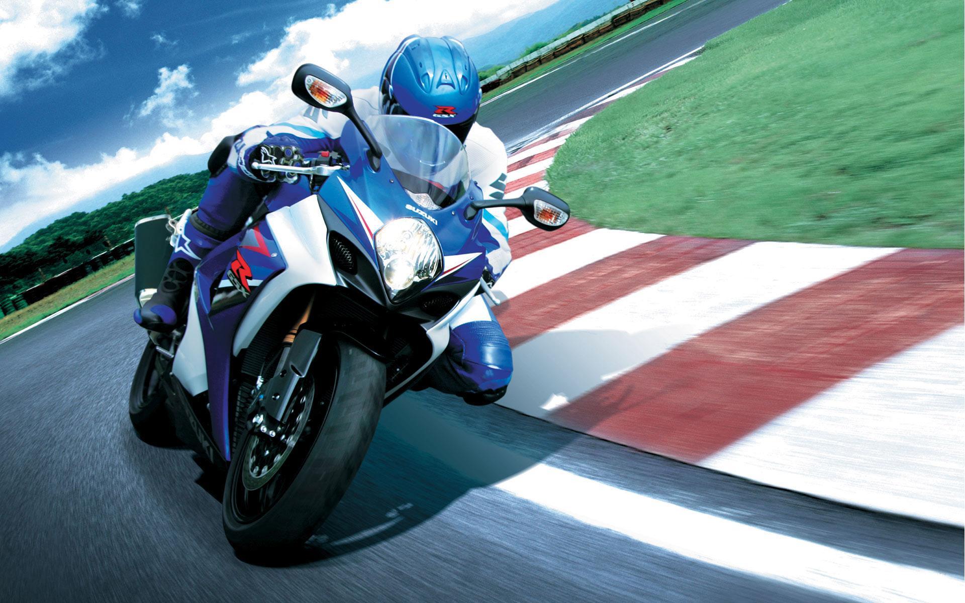 Спортивный мотоцикл suzuki на вираже обои 1920x1200.