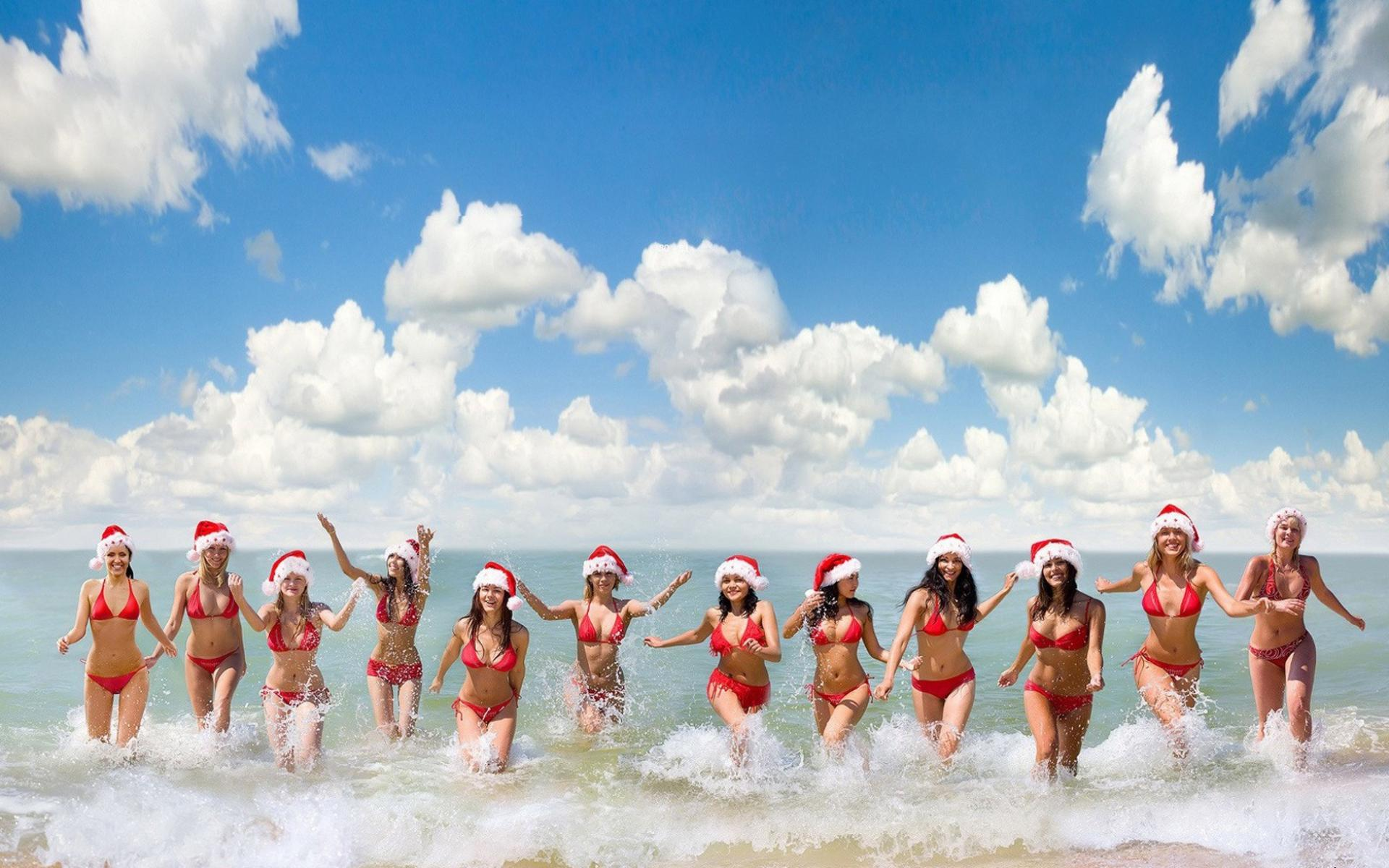 Обои Summer Santa Girls 1920x1200