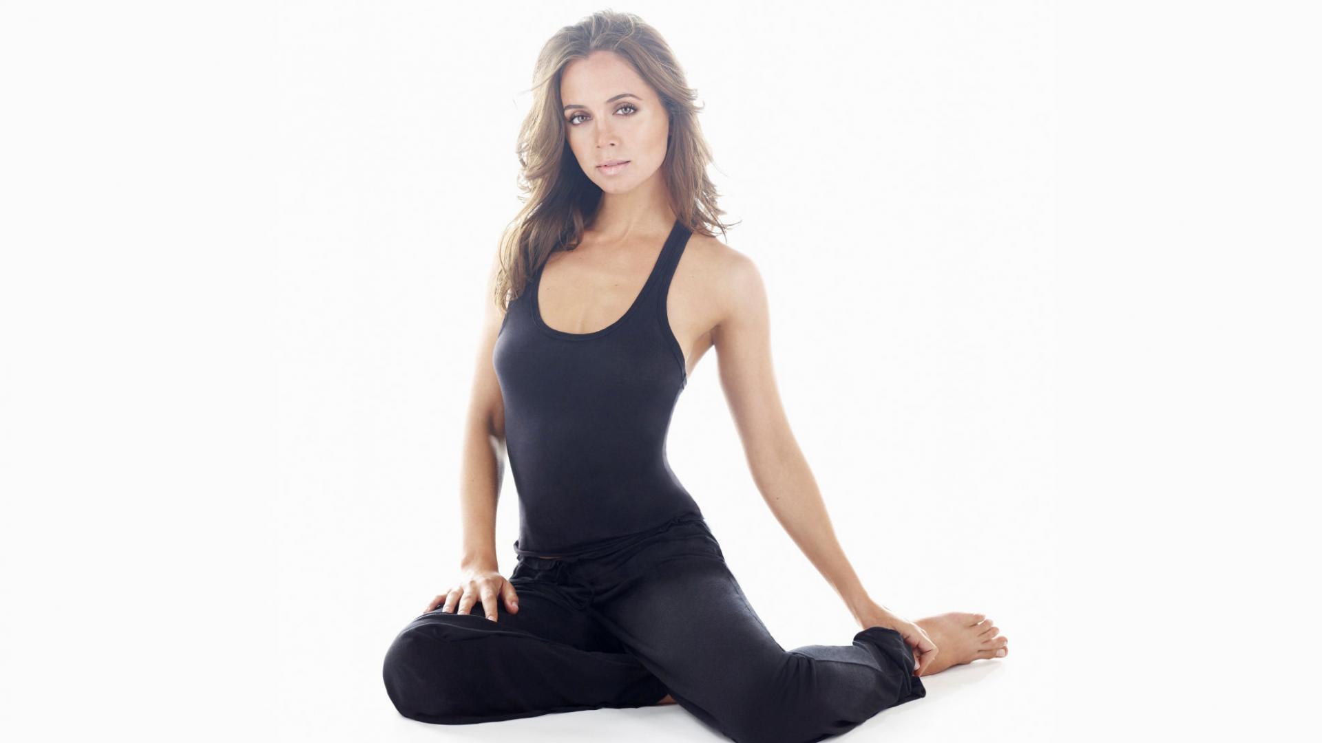 Очень красивое порно с фитнес тренером
