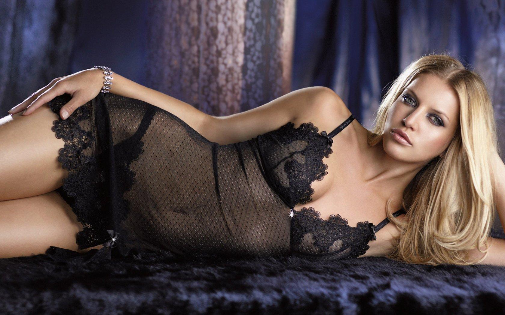 Фото жінки в сауні голі 21 фотография