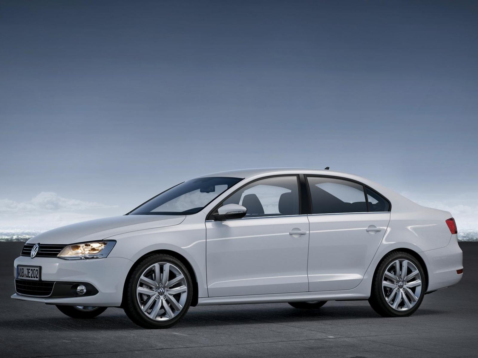 Обои Volkswagen-Jetta-EU-Version-2011 1600x1200
