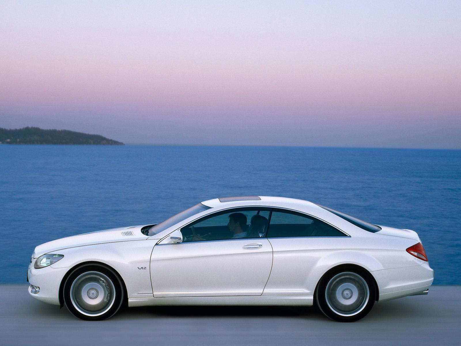 Обои White Mercedes-Benz CL Class Motion 1600x1200